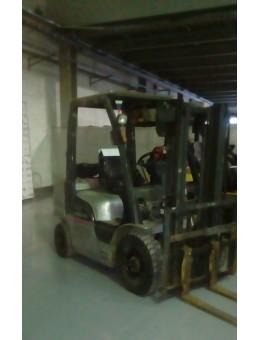 Бензин/газовый погрузчик б.у. Nissan LYL02A20 (2 т. /  3 м. / 2011 г.)
